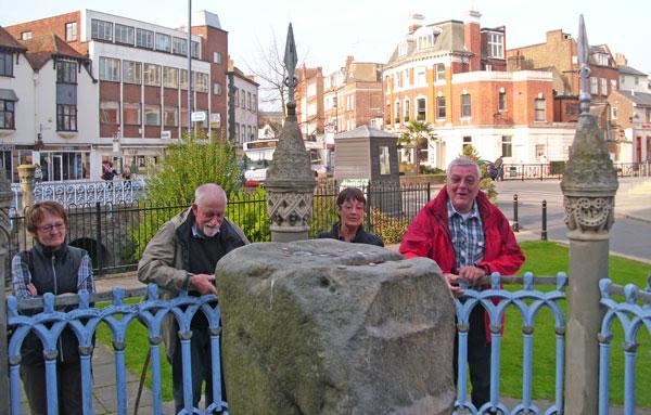 King's Stone von Kingston, auf dem sieben sächsische Könige bei ihrer Krönung gesessen haben sollen